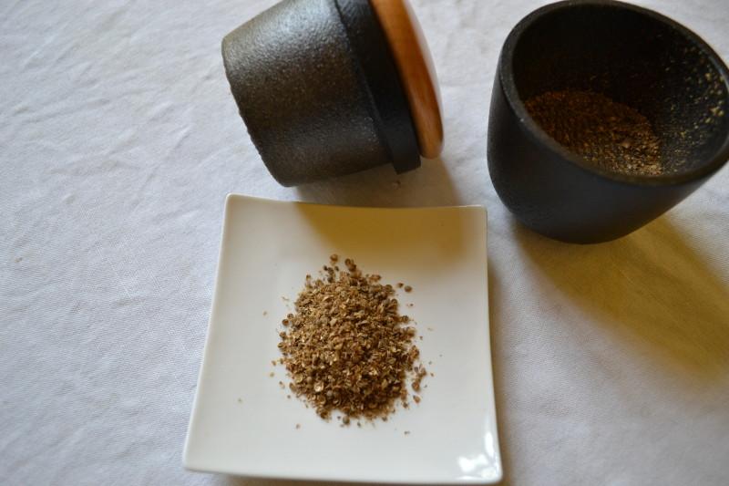 Gusseisen Kräuter und Pfeffermühle