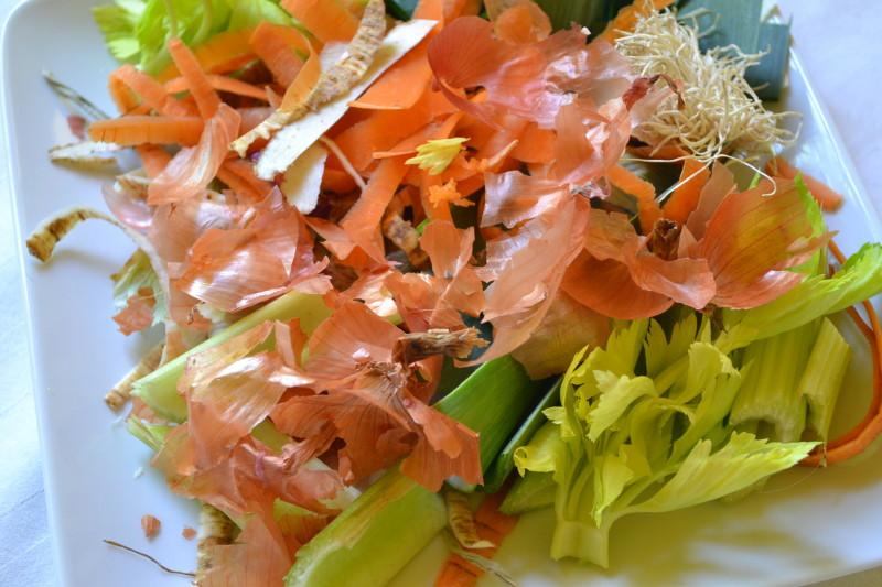 Gemüsereste für Gemüsebrühe
