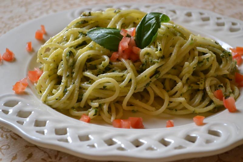 Spaghetti mit Zucchinipesto