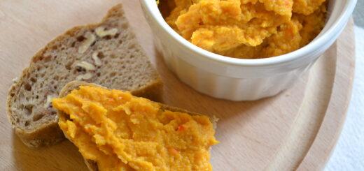 Kürbis-Hummus mit Paprika und Kreuzkümmel